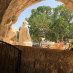 Grotto Mantara statue